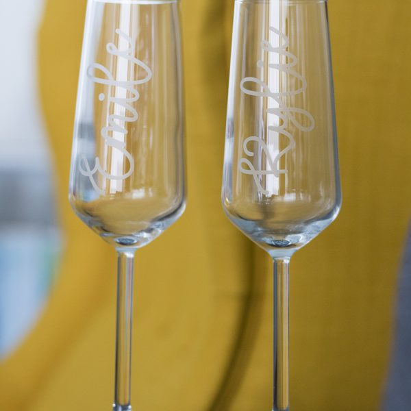 Champagneglazen gepersonaliseerd met naam, Origineel huwelijkscadeau, Cadeau voor bruiloft