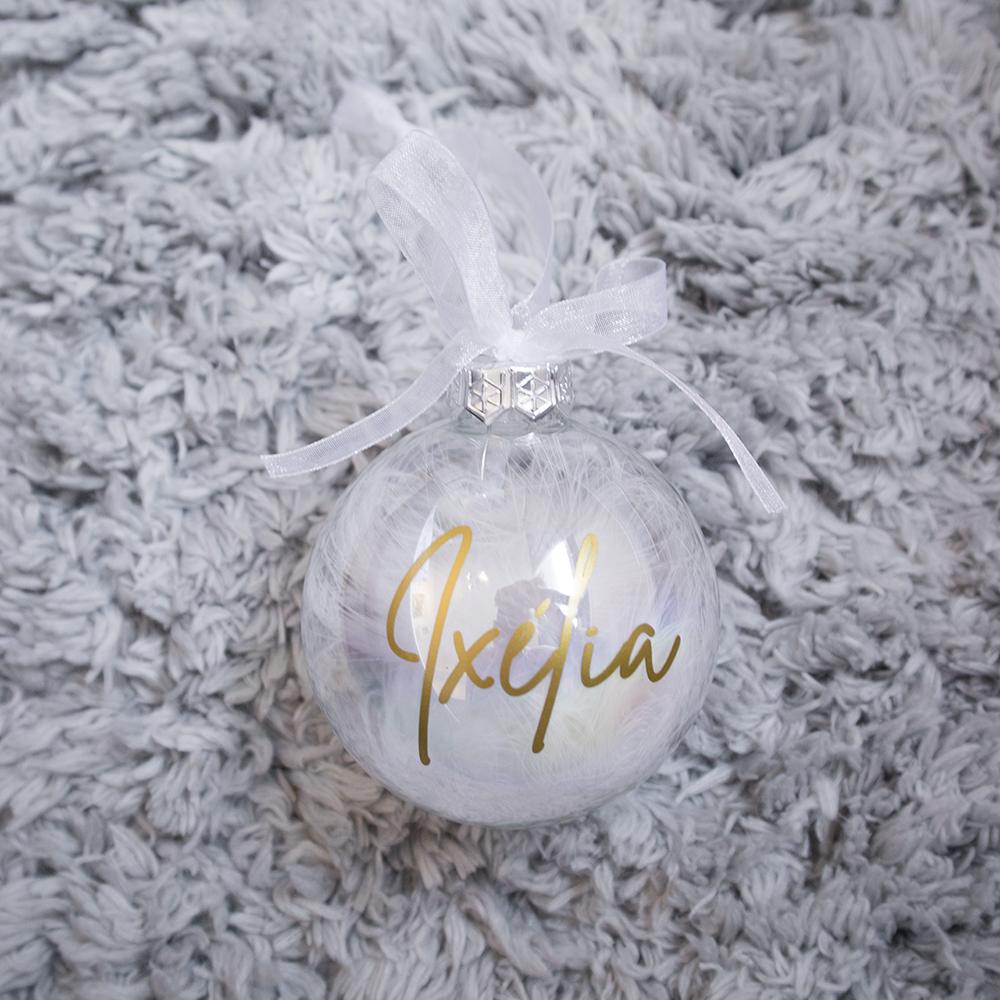 Gepersonaliseerde kerstbal met naam - Wit veren
