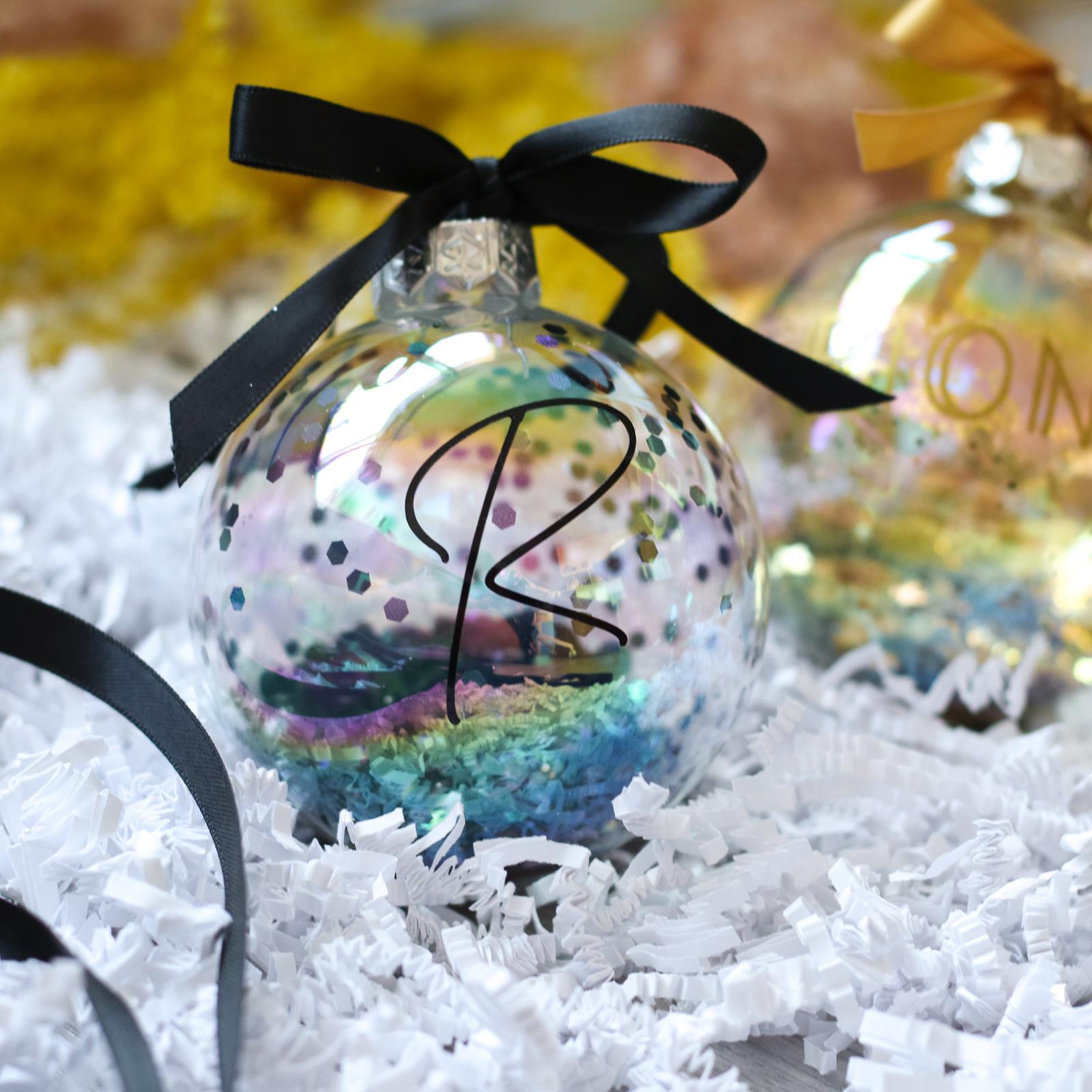 Gepersonaliseerde kerstbal met naam - MONO