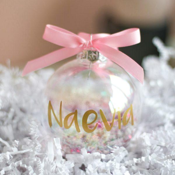 kerstbal met naam, kraamcadeau met naam, kerstbal bedrukken, kerstcadeau baby