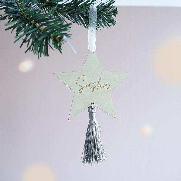 kraamcadeau met naam, houten kersthanger, gepersonaliseerd cadeau